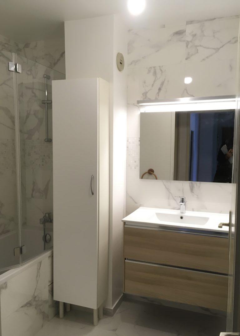 Des travaux pour moderniser une salle de bain à Magny-les-Hameaux (78)