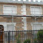 rénovation ravalement façade maison rebouchage fissure décapage pendant travaux Bezons