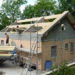 Surélévation de maison à Nancy : chantier de rehausse de la toiture