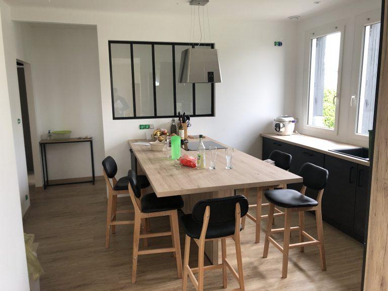 Avant/après d'une rénovation de cuisine à Belleville-sur-Vie (85)