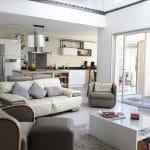 rénovation maison salon ouvert sur cuisine baie-vitrée peinture Toulouse