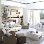 rénovation maison salon mezzanine filet tendu baie vitrée lumineux Toulouse