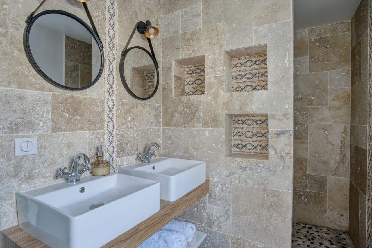 rénovation maison corps de ferme salle d'eau vasque douche miroirBouguenais