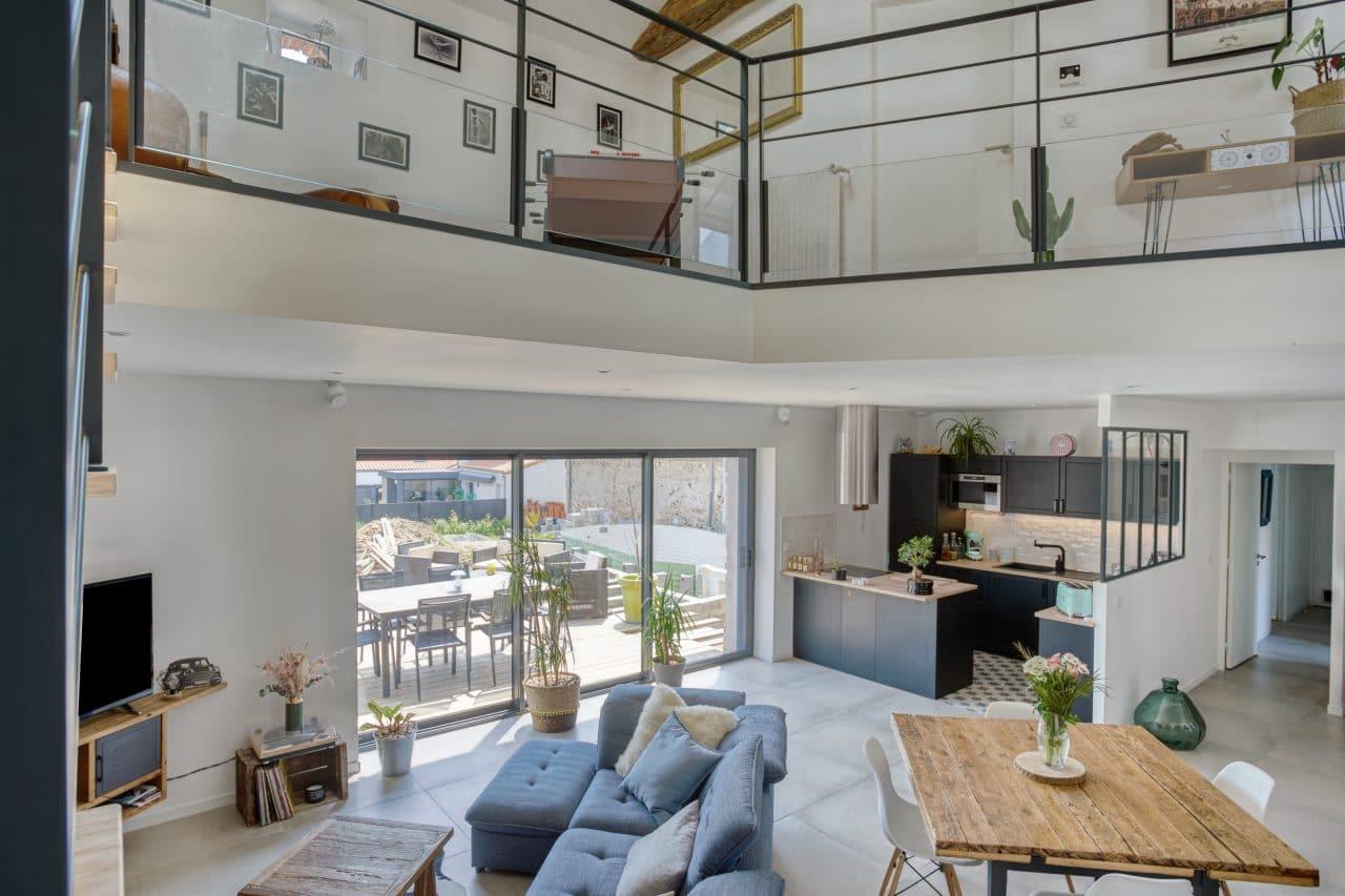 rénovation maison corps de ferme séjour salon mezzanine