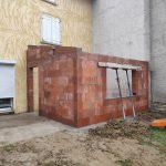 extension maison à Parcieux : montage des murs de l'agrandissement