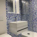 rénovation appartement salle d'eau meuble vasque suspendu wc douche paroi verre faïence émaux de Briare Quiberon