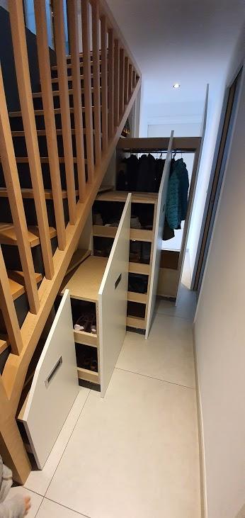 rénovation escalier placard coulissant sur mesure bois rangement Saint-Julien de Concelles