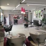 rénovation d'un local professionnel : salon de coiffure avant transformation en salon esthétique