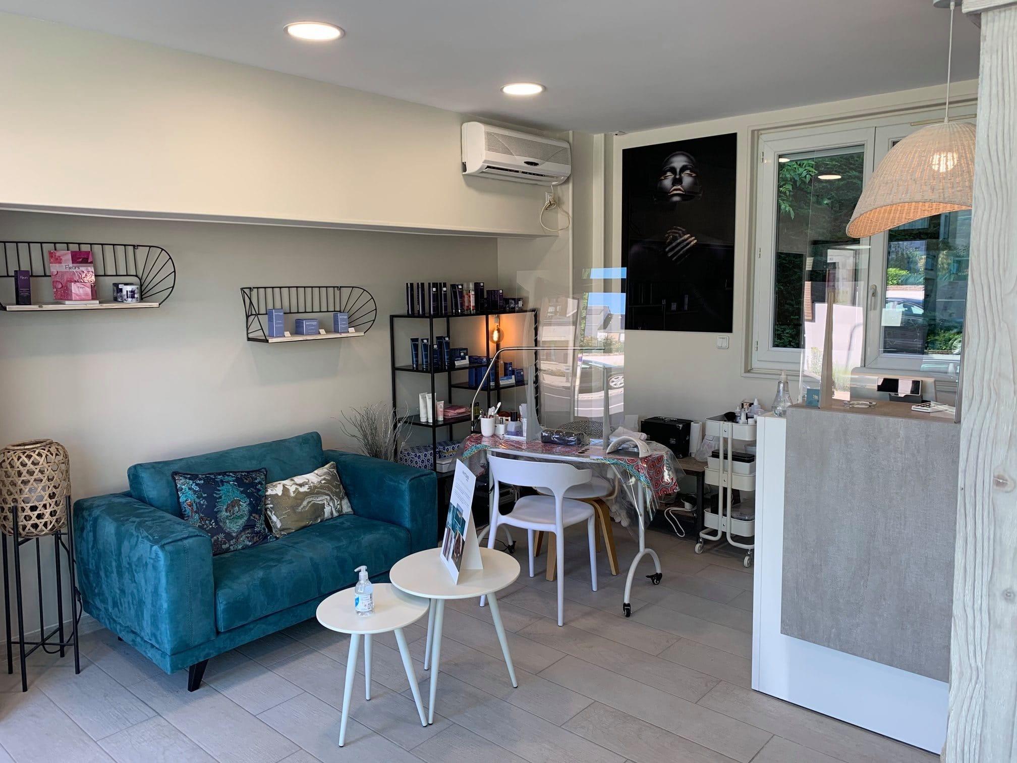Rénovation : transformation d'un salon de coiffure en salon esthétique à Orléans (45)