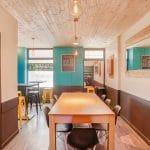 rénovation restaurant peinture mur mobilier faux plafond bois Lyon 6