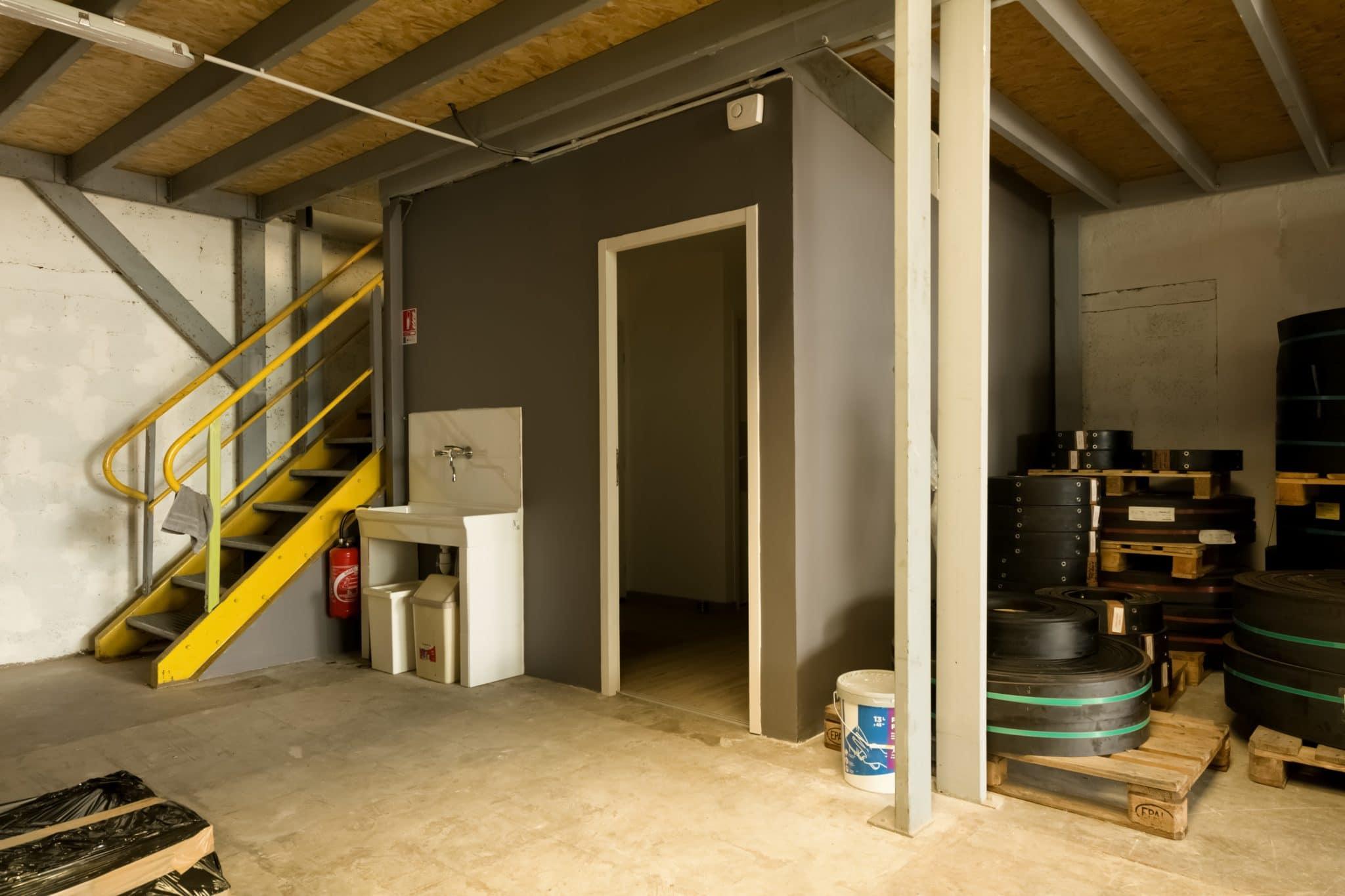 Création de bureaux dans un local professionnel à Saint-Egrève (38)