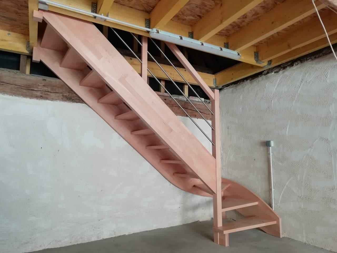 rénovation grange escalier bois plancher intermédiaire Saint-Prest