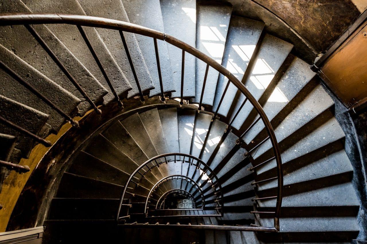 rénovation bel escalier ancien