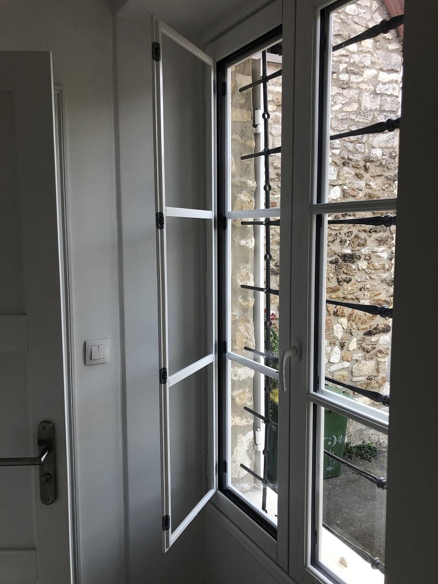 Remplacement de menuiseries extérieures à Crespières (78)