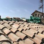 Zoom sur les tuiles - Rénovation d'une toiture à Cannes