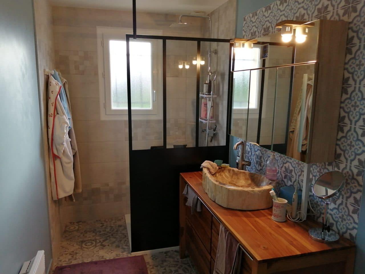 Apr-s travaux - Rénovation d'une salle de bain à Saint-Maixme-Hauterive