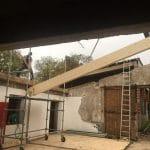Pose des éléments de charpente - rénovation d'une toiture - Conques