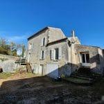 Vue générale des 3 pans de toiture - rénovation toiture Saint-Même-les-Carrières