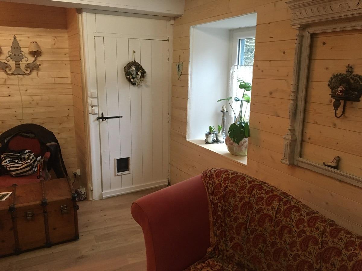 Salon rénové avec des produits naturels - Aménagement d'un salon dans une maison ancienne d'un hameau de Miraval-Cabardès (11)