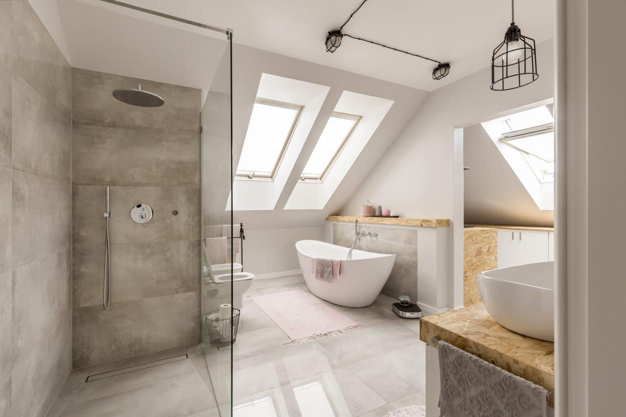extension maison Voiron : aménagement des combles - salle de bain sous combles