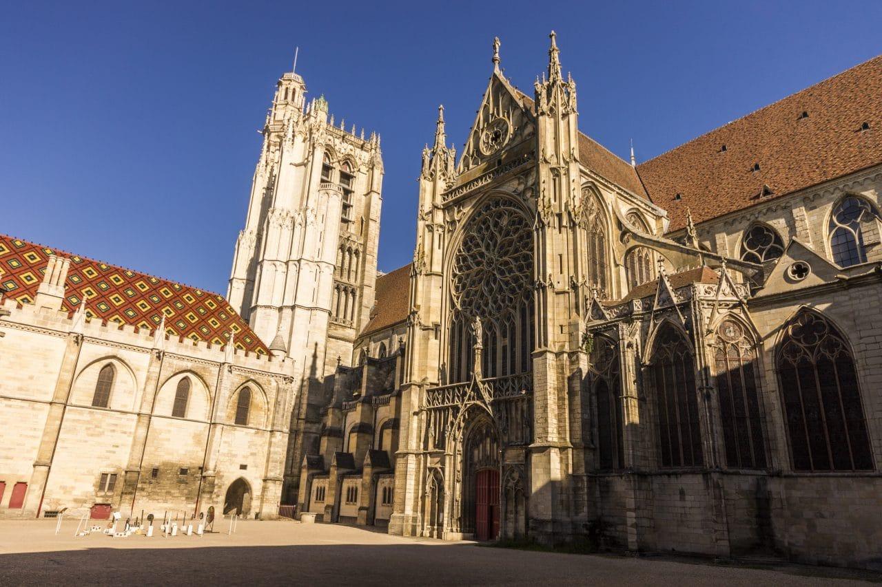 illiCO travaux Sens - Montereau : Cathédrale