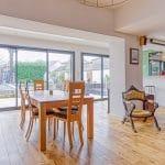 Grande luminosité dans le nouveau salon séjour - rénovation extension de maison à Toulouse