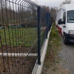 Pose d'une clôture en grillage rigide - aménagements extérieurs à Belz