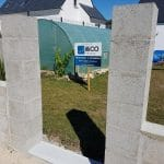 pose du mur chantier en cours - Aménagements extérieurs à Belz