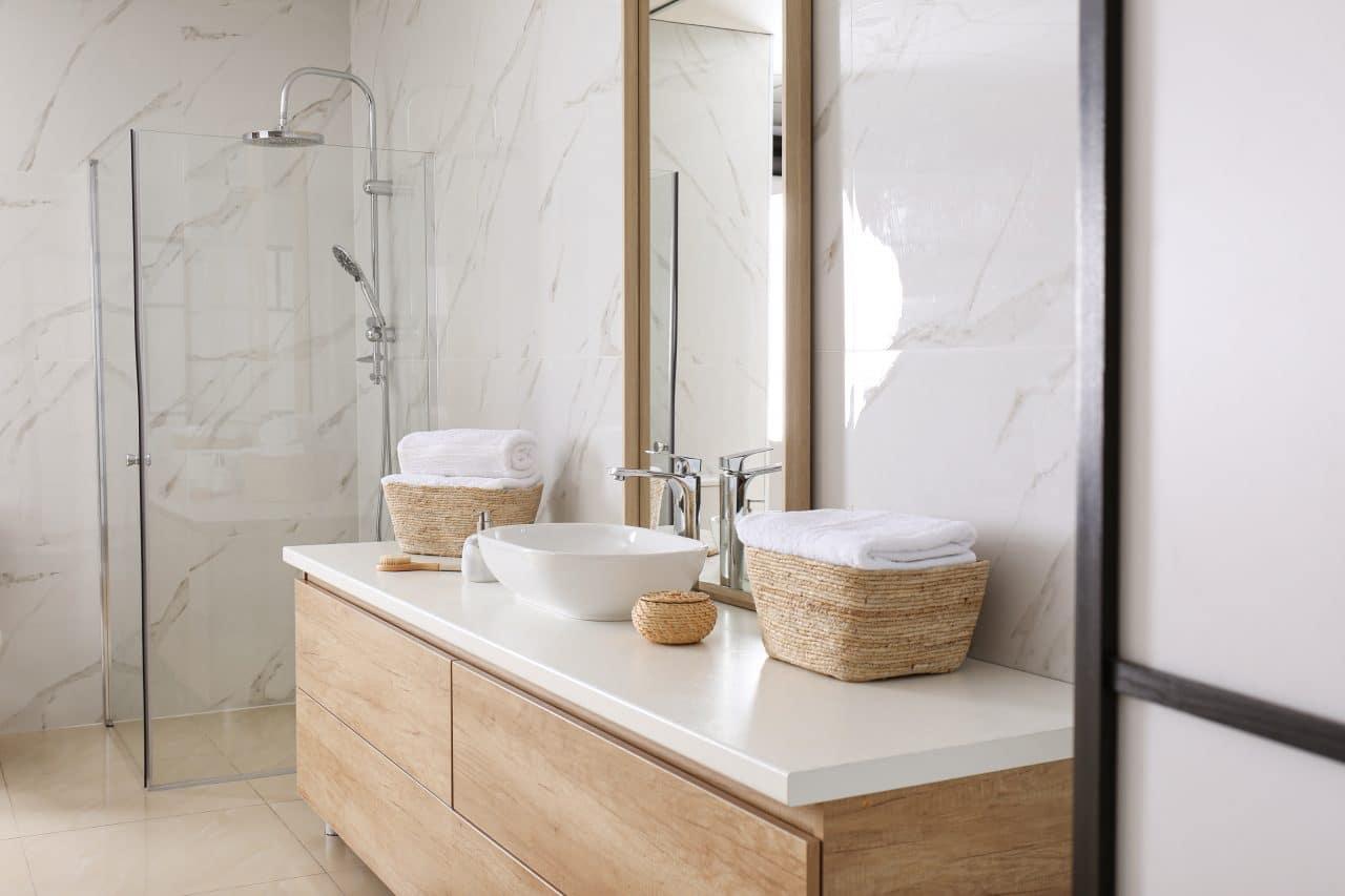 Rénovation salle de bain par illiCO travaux Narbonne