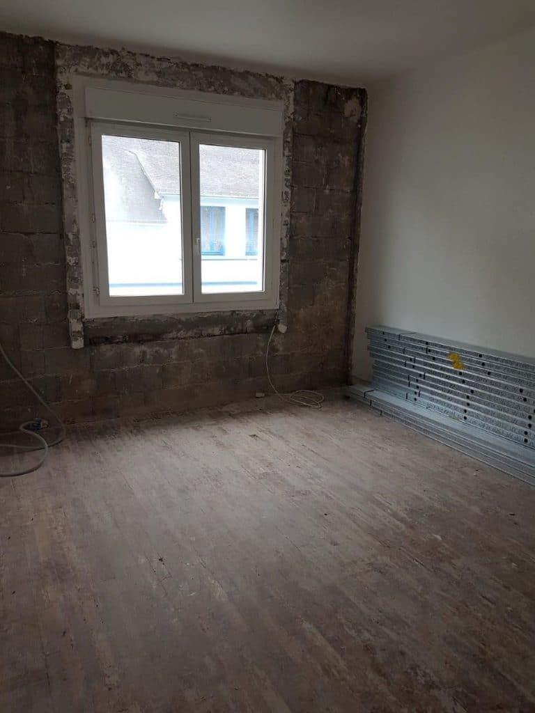 Chambre en cours de travaux - Rénovation d'un appartement au 2e étage à Lorient en vue d'une mise en location