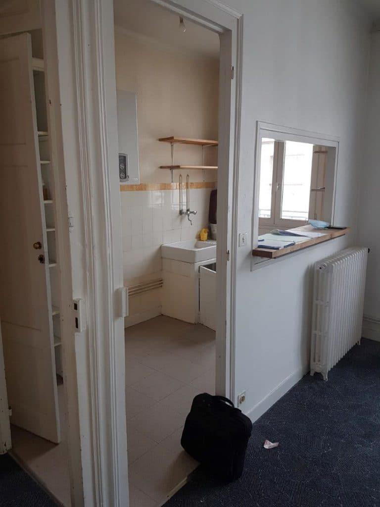 Cuisine avant travaux - Rénovation d'un appartement dans le centre ville de Lorient