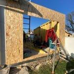 Montage de la structure bois - Construction d'une extension de maison en bois à Ambarès et Lagrave