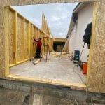 Montage des murs en bois - Construction d'une extension de maison en bois à Ambarès et Lagrave