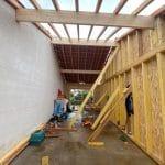 Montage de la structure de l'extension - Construction d'une extension de maison en bois à Ambarès et Lagrave