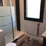 Vue d'ensemble sur le côté douche - rénovation de salle de bain à La Rochelle