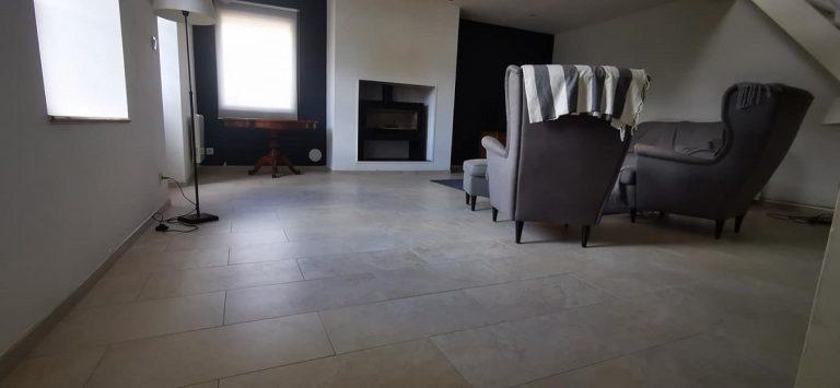 Rénovation des sols d'une salle à manger à Cartelègue (33)
