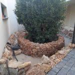 Pose des pierres naturelles - Aménagement extérieur d'un patio près de Monptellier