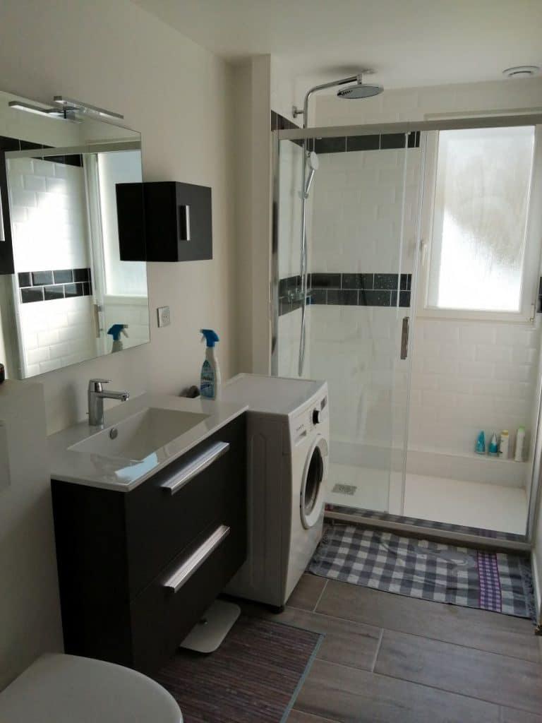Salle de bain rénovée - Rénovation partielle d'un appartement à Epernon