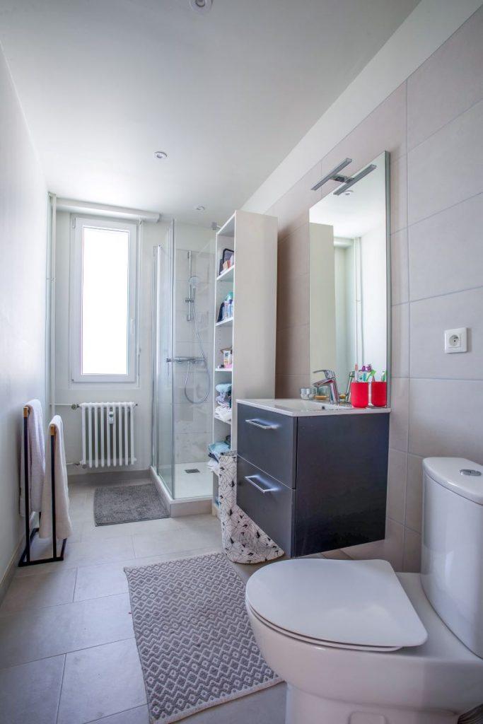 Salle de bain rénovée - rénovation appartement Strasbourg