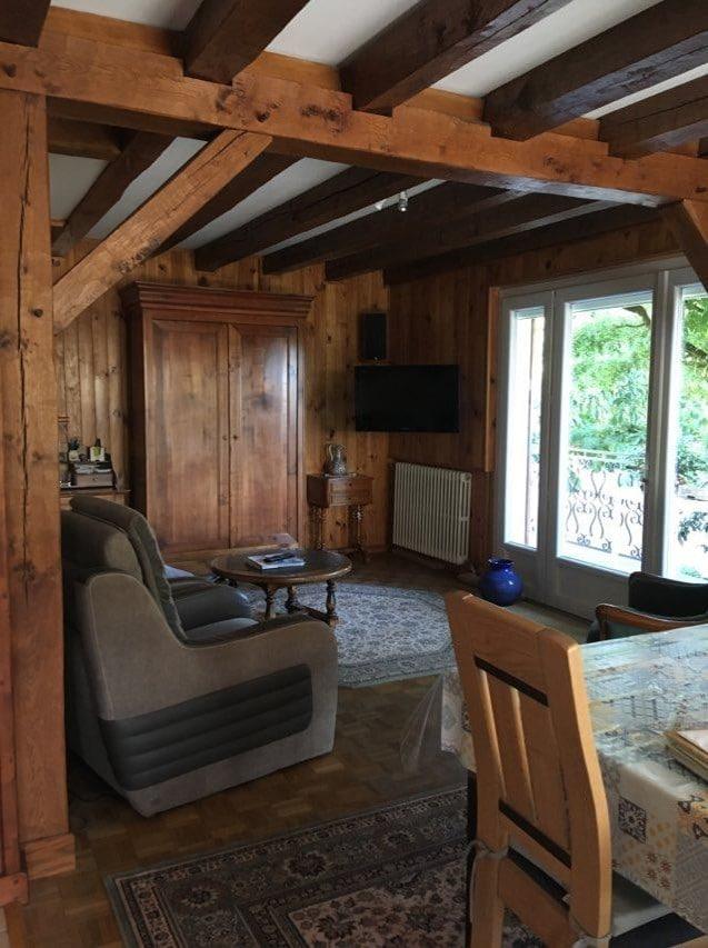 Salon avant travaux - rénovation intérieure d'une maison à Olivet dans le Loiret