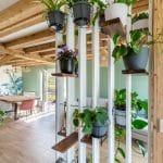 rénovation maison Olivet - piece de vie avec poutres apparentes