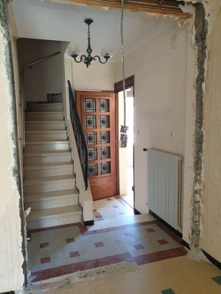 Entrée avant travaux - Rénovation intérieure et extérieure à Toulouse