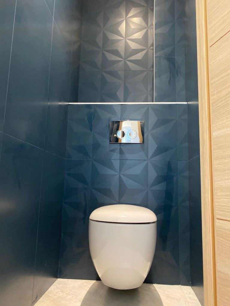 WC suspendu - Création d'une salle de bain près de Montpellier