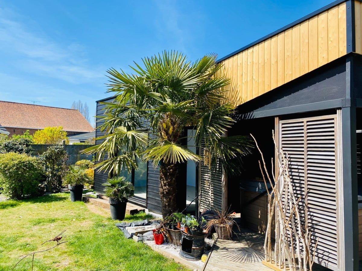 Extension terminée vue de l'extérieur - Construction d'une extension maison en bois à Arques