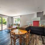 Cuisine ouverte sur le salon - extension de maison à Thorigny de 50 m2