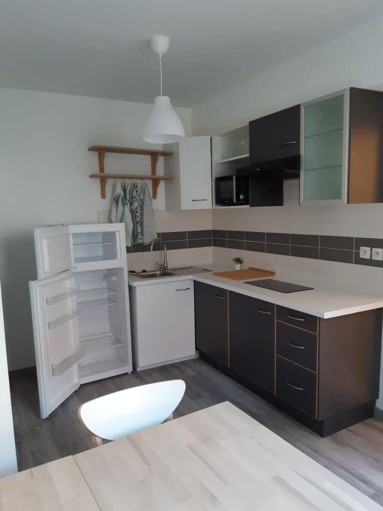 Changement d'un meuble de cuisine - rénovation d'un appartement à à Bonnières sur Seine