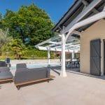 terrasse rénové avec un nouveau carrelage - Aménagement extérieur d'une maison à Tassin-la-Demi-Lune