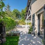 Nouveau carrelage au sol - Aménagement extérieur d'une maison à Tassin-la-Demi-Lune