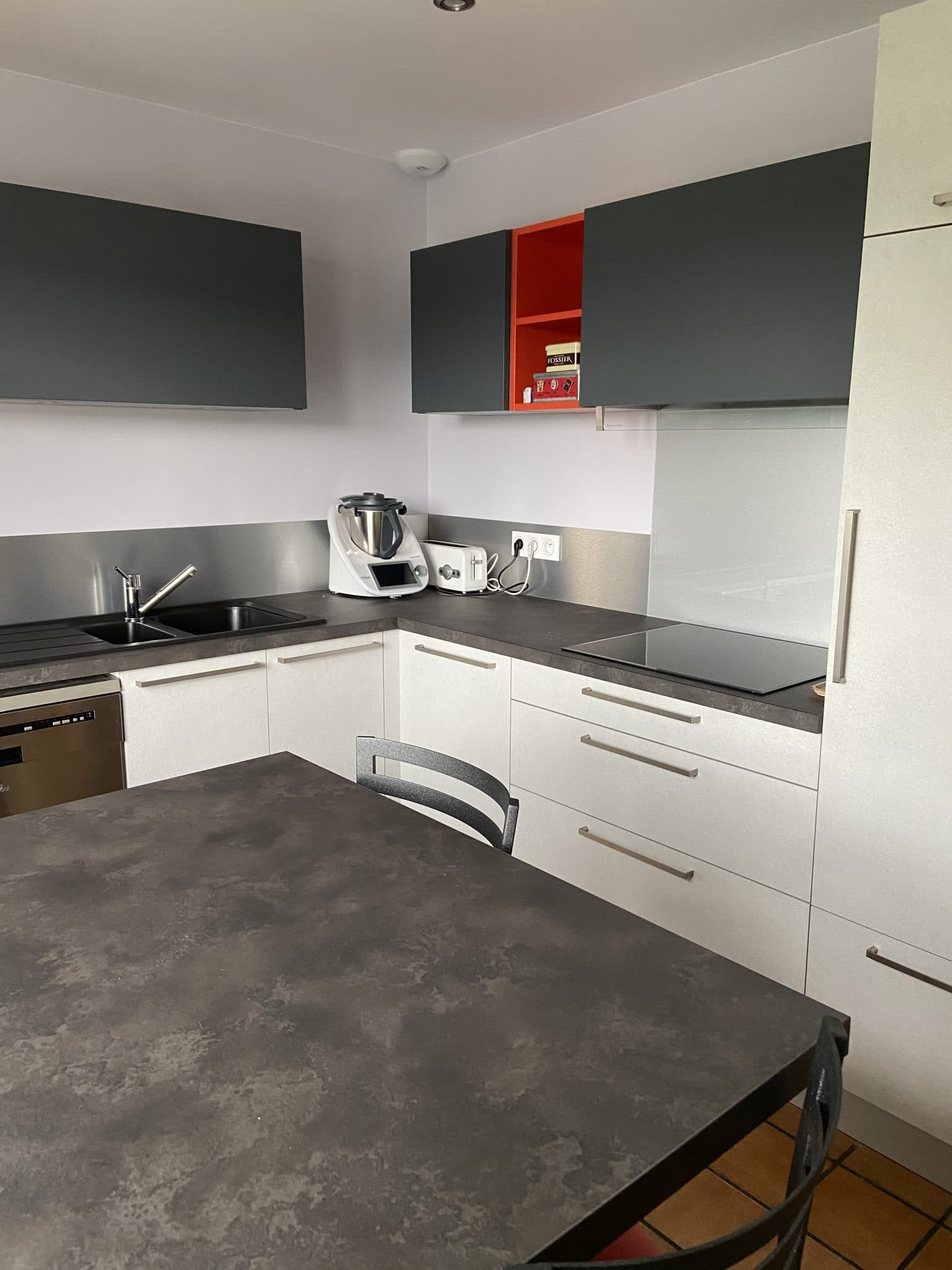 Rénovation d'une cuisine à Terrenoire dans un quartier de Saint-Étienne (42)
