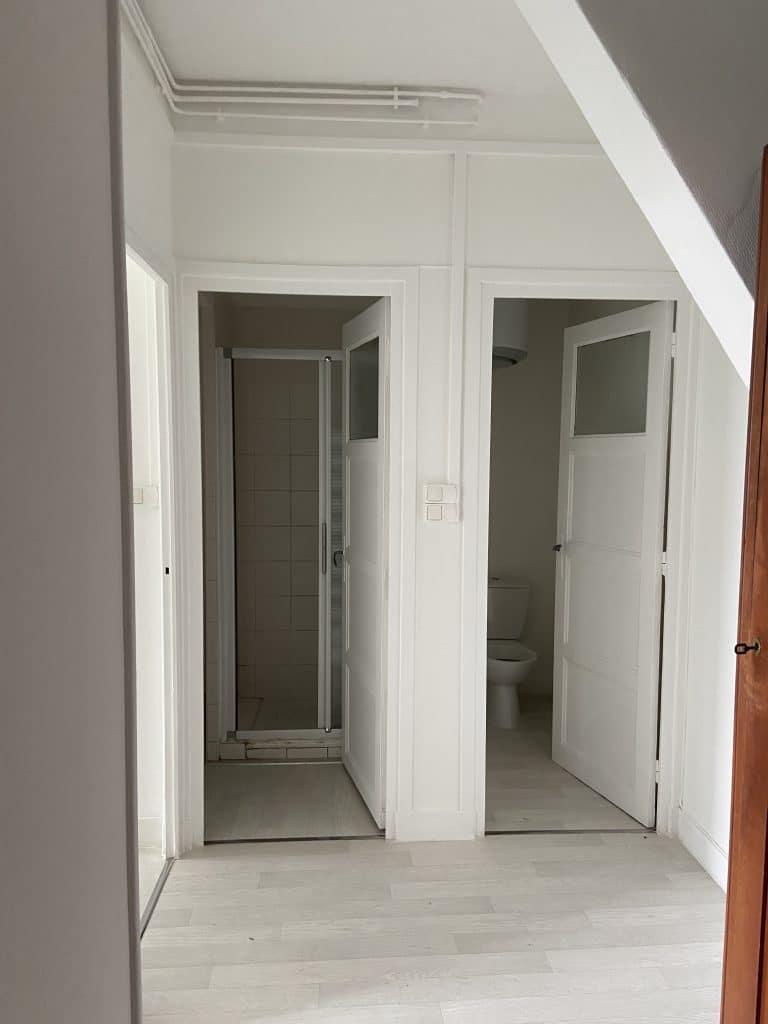 rénovation d'appartement pour du locatif à Saint-Étienne - couloir